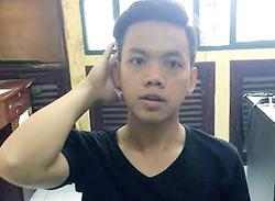 Kẻ đâm gục bạn tù trong chợ ở Sài Gòn bị camera ghi hình đã đầu thú 1