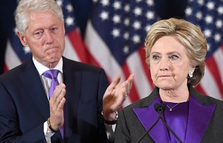 Nhiều đồng minh của bà Clinton phản đối kiểm lại phiếu 1