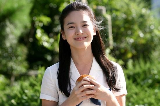 Ngắm vẻ đẹp bất chấp thời gian của Song Hye Kyo 7