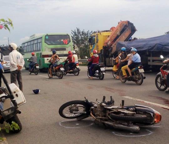 Va chạm xe buýt ở Sài Gòn, 1 phụ nữ tử vong 1