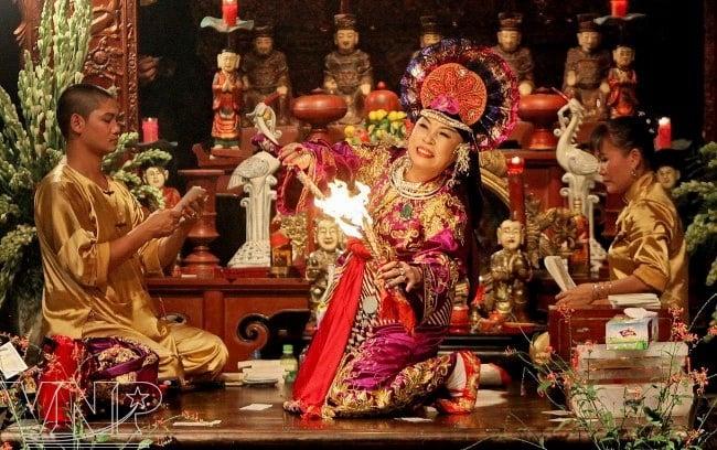 """""""Tín ngưỡng thờ Mẫu"""" được UNESCO công nhận là di sản văn hóa thế giới 2"""