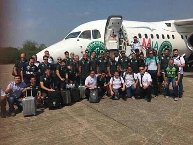 Cầu thủ Brazil tố phi công máy bay Colombia