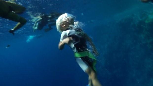 Cậu bé 3 tuổi lặn sâu 10m không cần bình oxy 2
