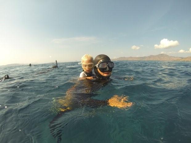 Cậu bé 3 tuổi lặn sâu 10m không cần bình oxy 1