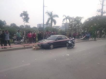 Hà Nội: Phát hiện người đàn ông chết trong ô tô bên sông Tô Lịch 1