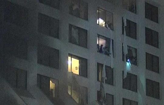 Cháy lớn tại khách sạn 4 sao, ít nhất 11 người thiệt mạng 3
