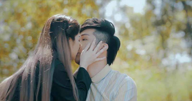 Lâm Chấn Khang lấy nước mắt khán giả với phim ca nhạc triệu view 5