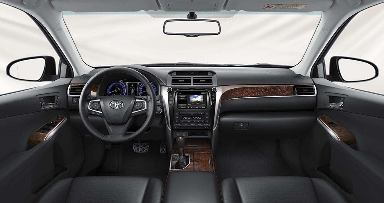 Toyota Camry 2016 bất ngờ giảm giá 2
