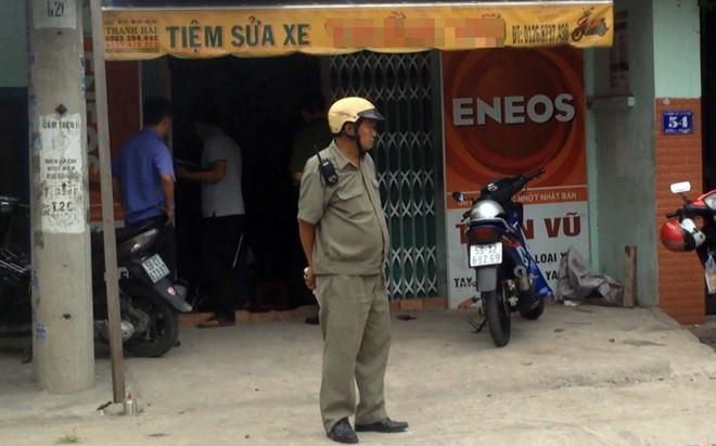 Vợ phát hiện chồng chết trong tư thế treo cổ trong tiệm sửa xe máy 1