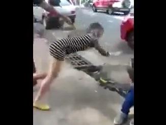 Giải trí - Clip cô gái bị bạn trai nhỡ tay