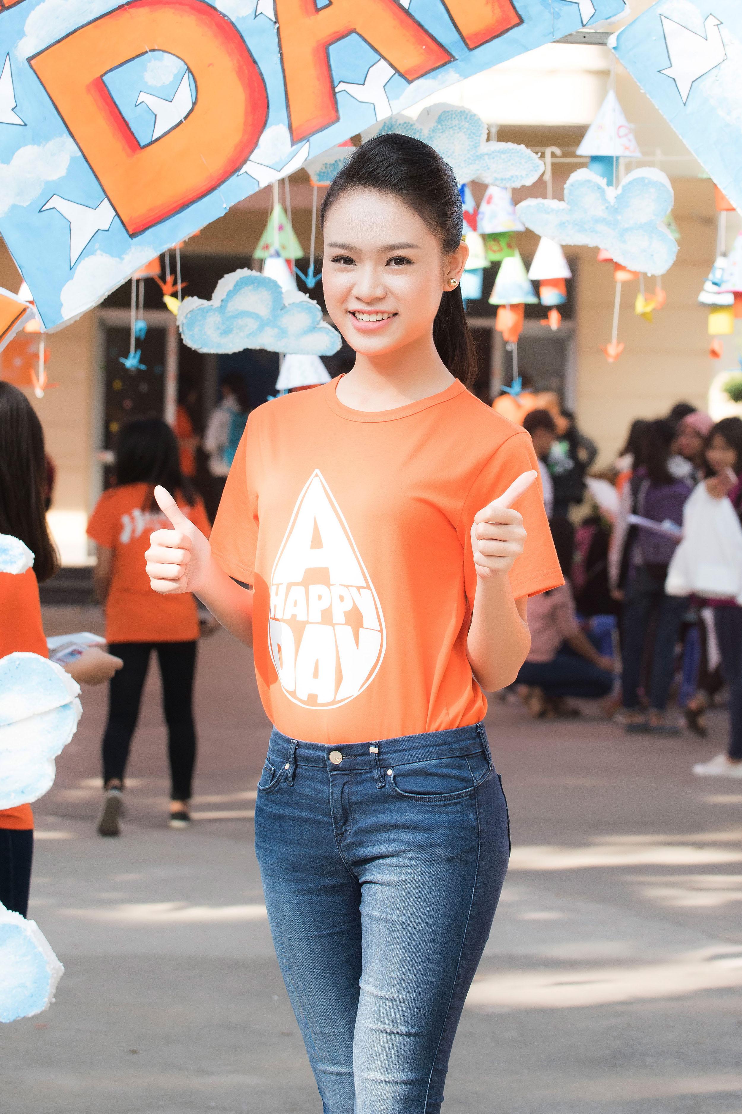 Người đẹp học giỏi của Hoa hậu Việt Nam làm đại sứ ngày hội hiến máu 11