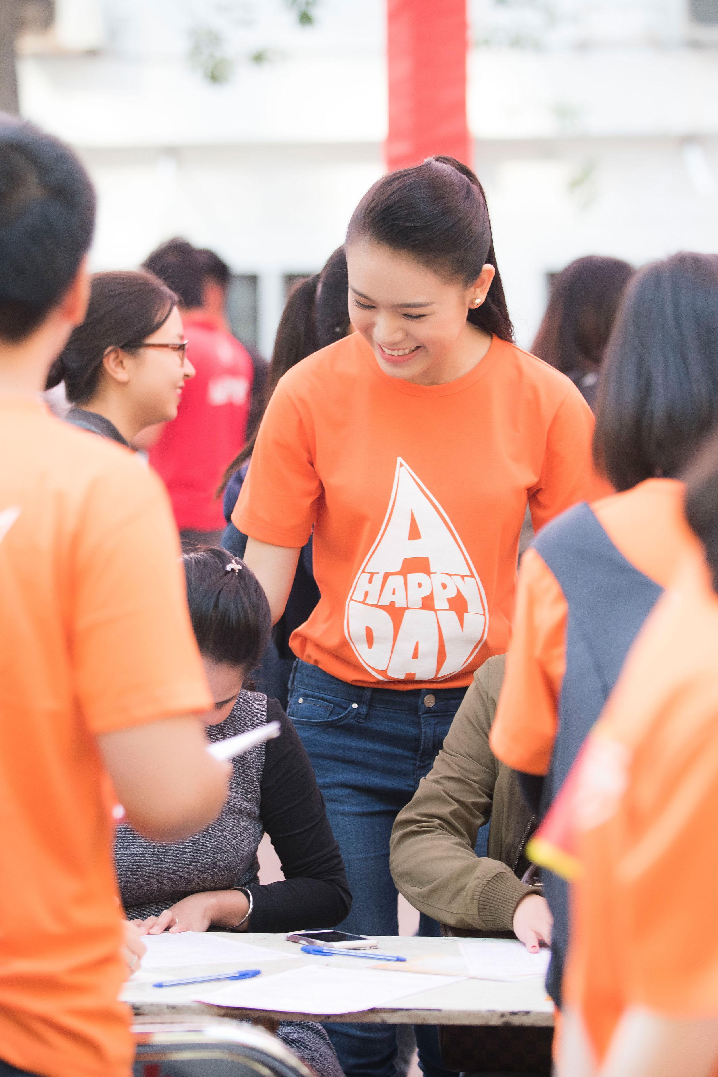 Người đẹp học giỏi của Hoa hậu Việt Nam làm đại sứ ngày hội hiến máu 3