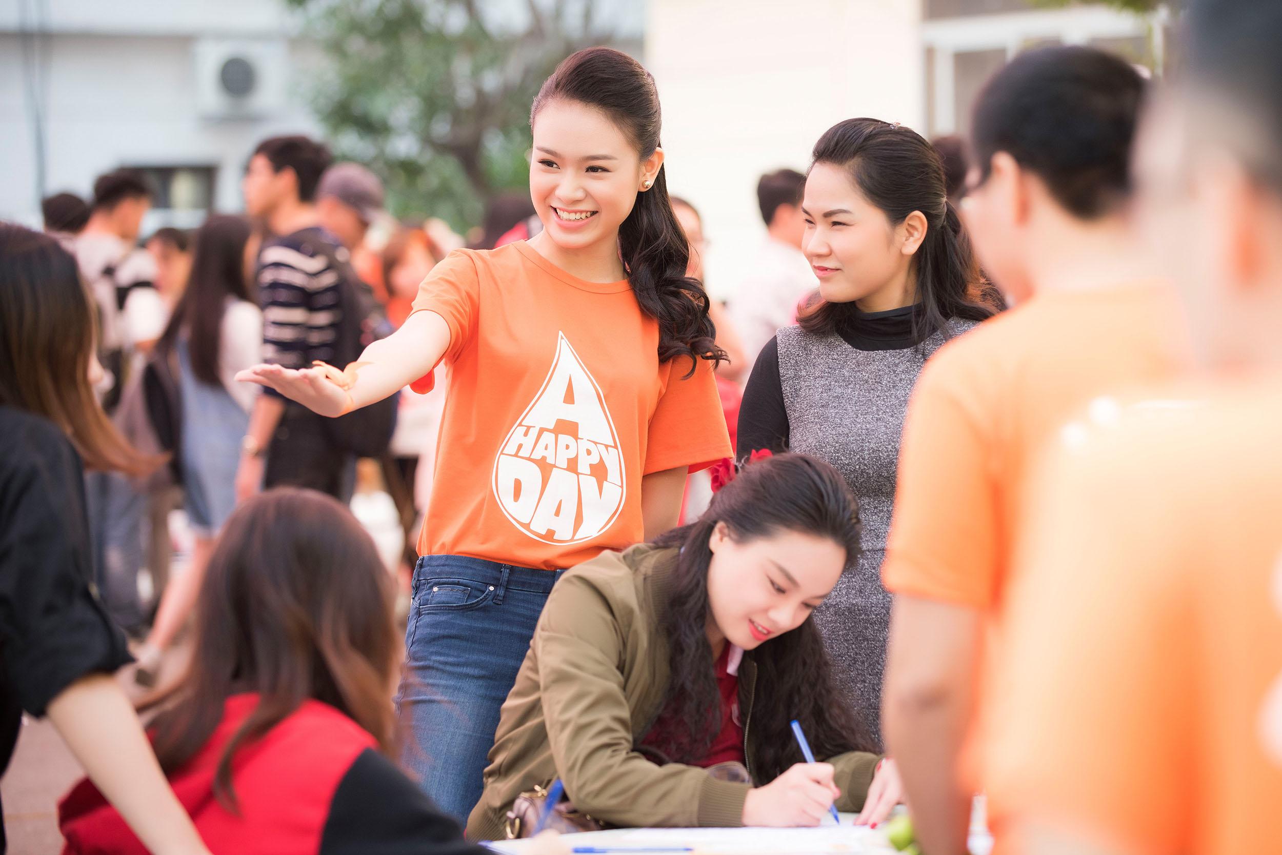 Người đẹp học giỏi của Hoa hậu Việt Nam làm đại sứ ngày hội hiến máu 8