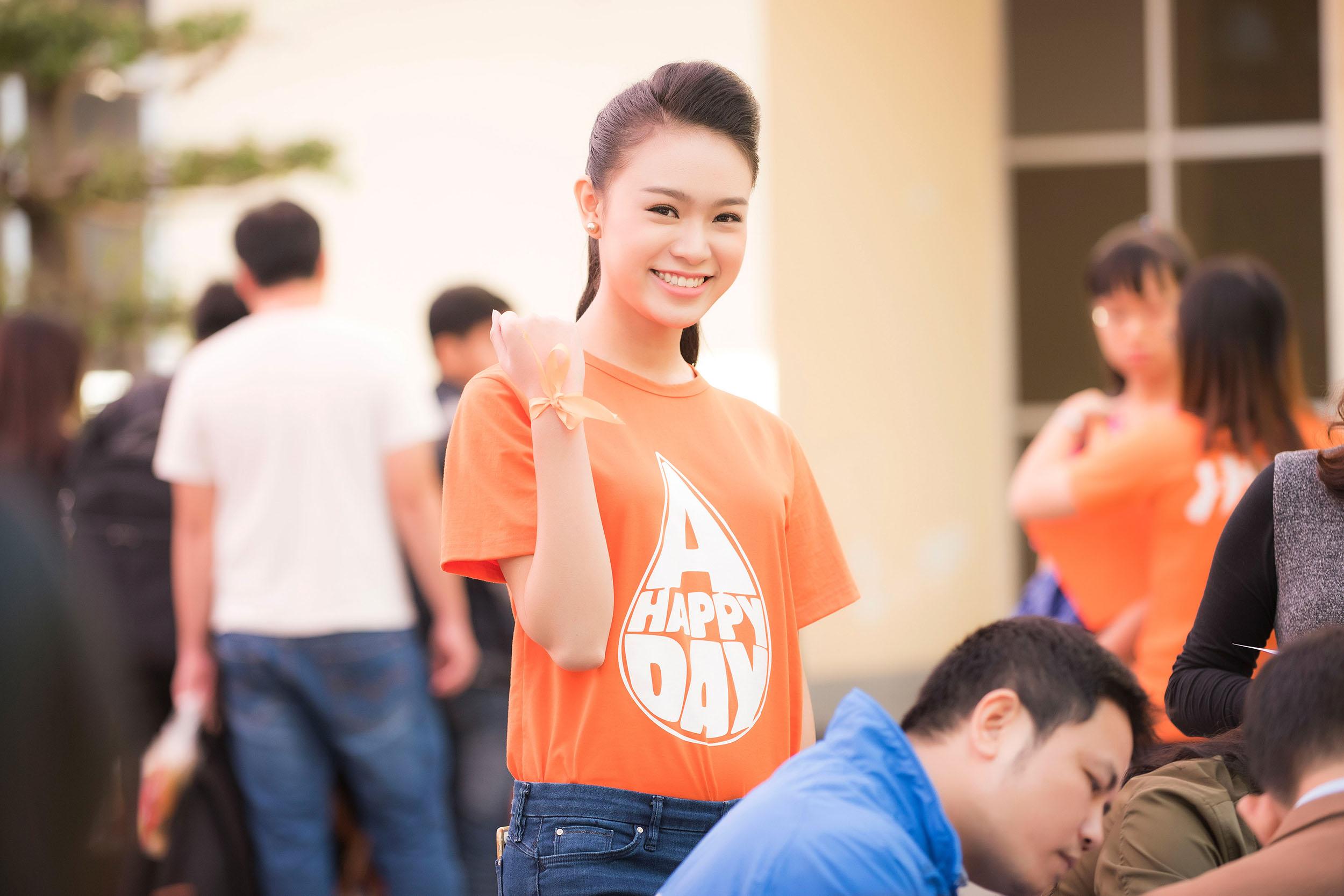 Người đẹp học giỏi của Hoa hậu Việt Nam làm đại sứ ngày hội hiến máu 9