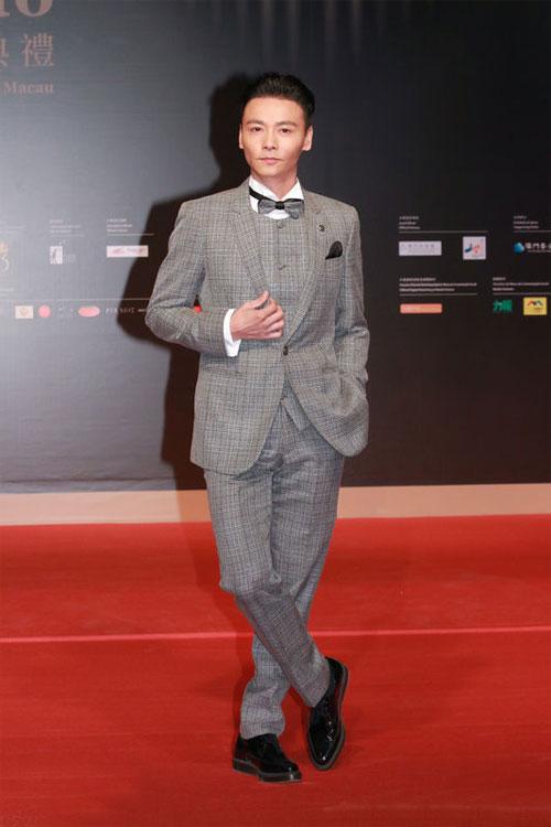 Trí Nguyễn, Nhung Kate tay trong tay trên thảm đỏ Liên hoan phim quốc tế Macau lần thứ 1 12
