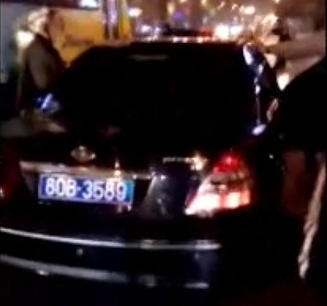 Xác định người lái xe ô tô biển xanh phóng chạy, gây tai nạn trên phố 1