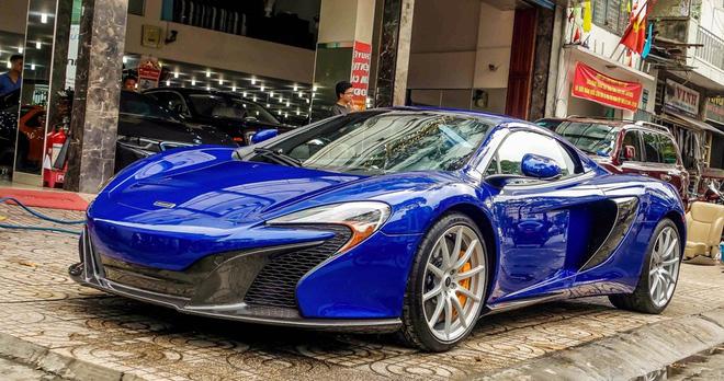 """Loạt siêu xe bạc tỷ đình đám trong garage nhà Minh """"Nhựa"""" 3"""