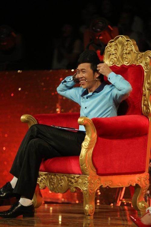 Hoài Linh ngỡ ngàng trước khả năng diễn hài của Happy Polla 2