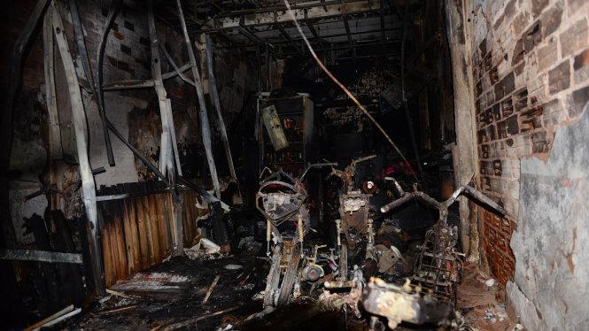 Cháy lớn trong đêm, nhiều người thương vong 2