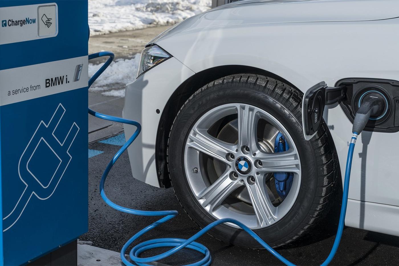 Tất cả dòng xe BMW sẽ có phiên bản chạy điện vào năm 2020 1
