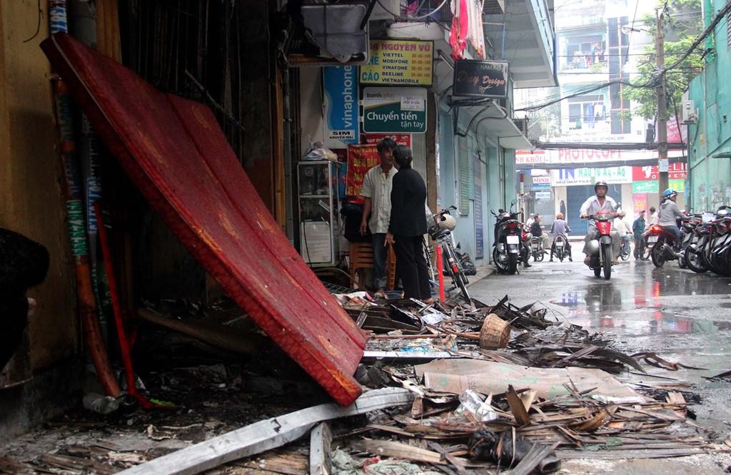 Hiện trường vụ cháy nhà kinh hoàng ở Sài Gòn, 6 người chết 1
