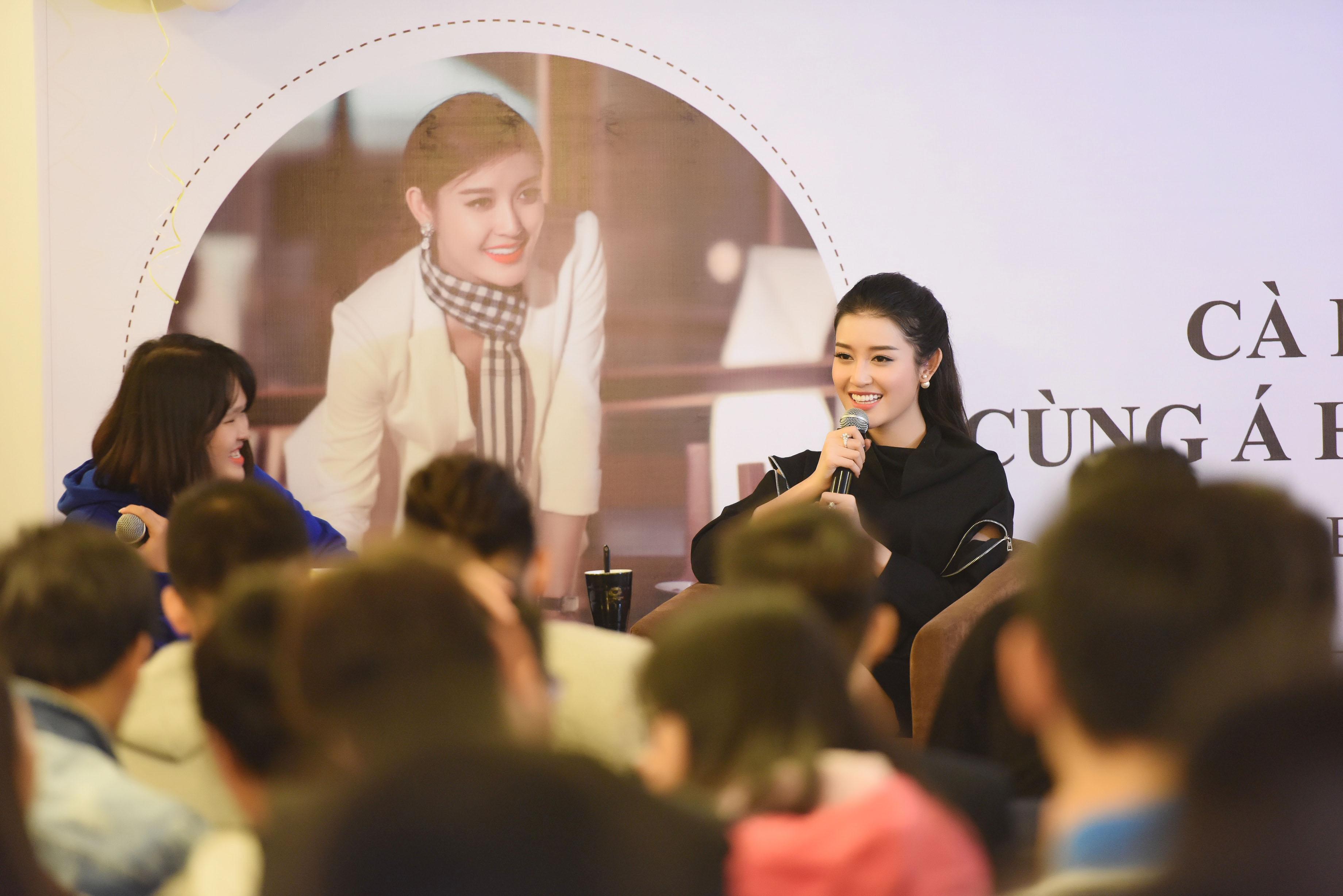 Á hậu Huyền My thổ lộ rất muốn lấy chồng trong buổi họp fans 13