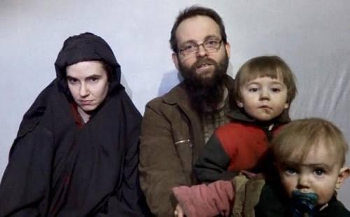 Một gia đình bị khủng bố bắt cóc cầu cứu Obama và Trump 1