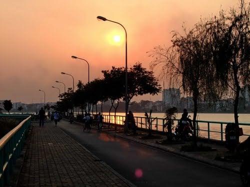 Hình ảnh 5 địa điểm hẹn hò lãng mạn trong đêm giáng sinh ở Hà Nội số 4