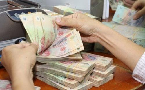 Thanh niên đi đổi tiền giả, bị cướp tiền thật 1
