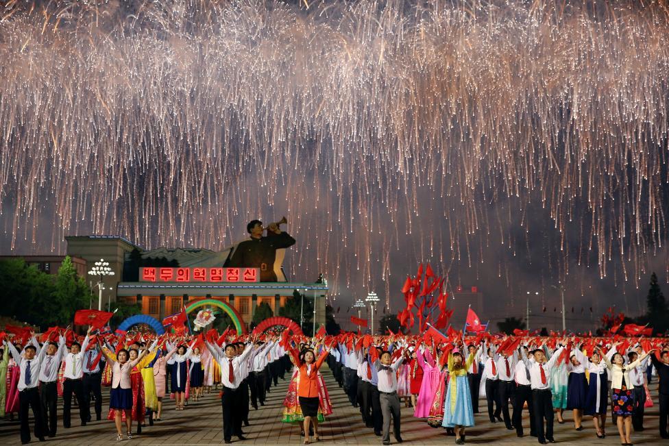 Reuters công bố 155 bức ảnh ấn tượng năm 2016 của mỗi quốc gia 7