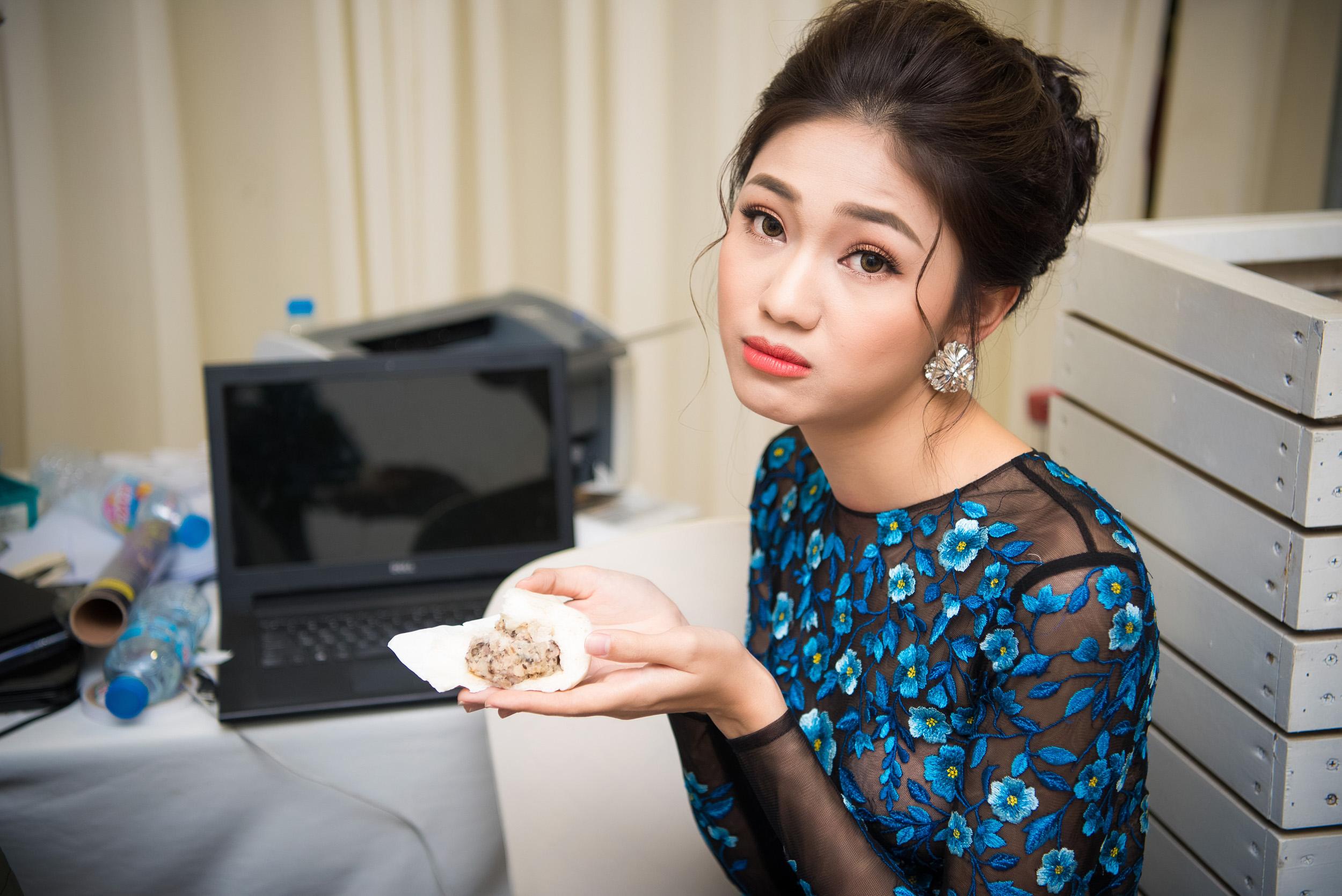 Á hậu Thanh Tú lộng lẫy trên sàn catwalk 7