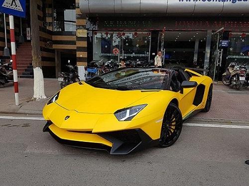 Lamborghini Aventador mui trần độc bản ở Việt Nam có giá 39 tỷ 2