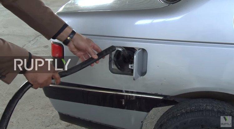 Iran phát minh ra động cơ xe hơi chạy bằng nước lã 1