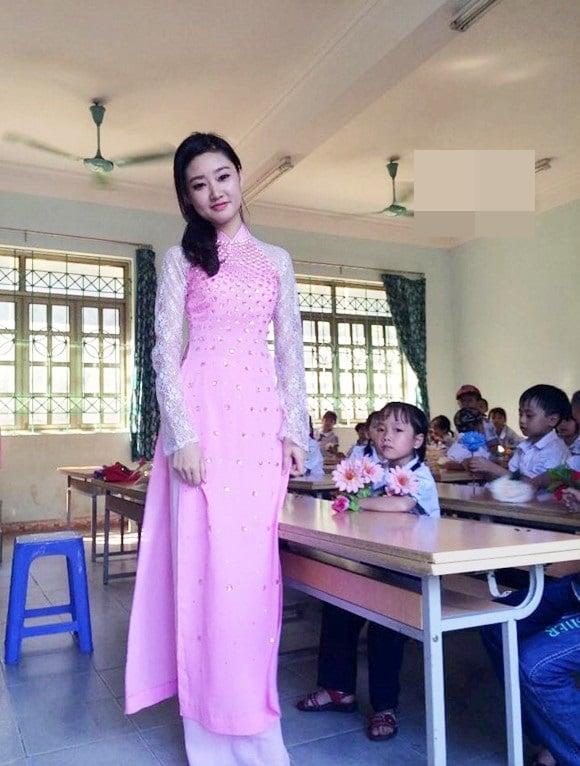 Những cô giáo xinh đẹp, tài năng gây sốt cộng đồng mạng 2016 3