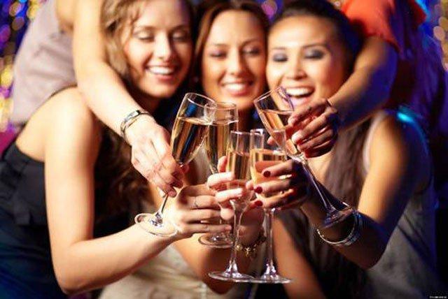 Bí quyết để uống rượu bia không bị say ngày Tết 4
