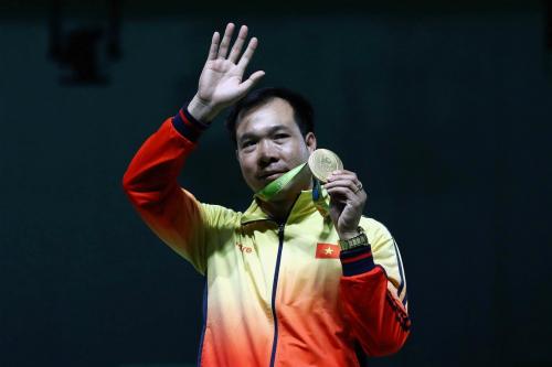 Xạ thủ Hoàng Xuân Vinh đạt danh hiệu VĐV tiêu biểu năm 2016 1