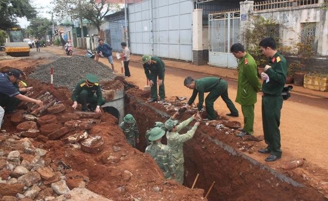 Hầm chứa mìn, đạn pháo được phát hiện giữa khu dân cư 1