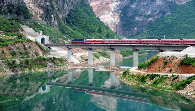 Trung Quốc mở tuyến đường sắt nối với Anh 2