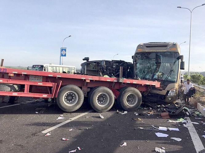 Tin tức mới nhất vụ tai nạn giao thông trên cao tốc Long Thành 1