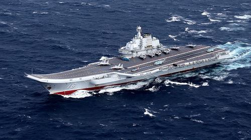 Tàu sân bay Trung Quốc thử vũ khí trên Biển Đông 1