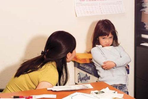 Khi phát hiện con nói dối cha mẹ nên làm gì? 1