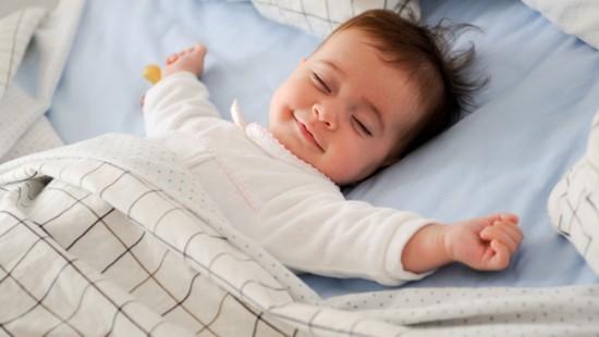 Hình ảnh 4 cách giúp trẻ ngủ ngon giấc, không quấy đêm số 1