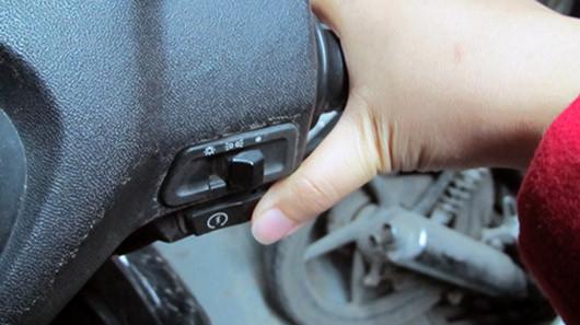 Những sai lầm của người Việt khi sử dụng xe máy 2