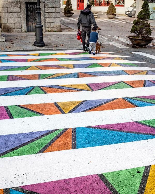 Hình ảnh Tròn mắt với những vạch sang đường đầy tính nghệ thuật khiến ai cũng muốn qua số 11