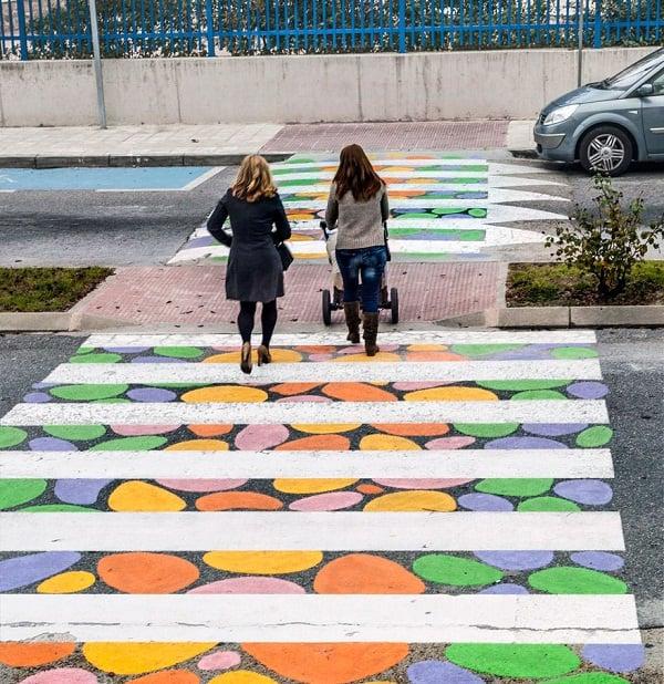 Hình ảnh Tròn mắt với những vạch sang đường đầy tính nghệ thuật khiến ai cũng muốn qua số 6