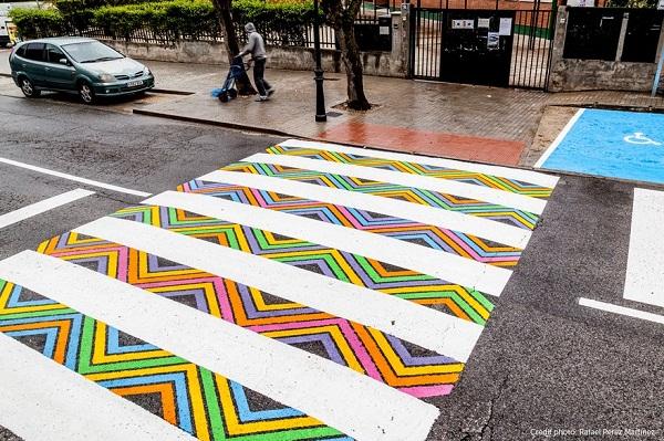 Hình ảnh Tròn mắt với những vạch sang đường đầy tính nghệ thuật khiến ai cũng muốn qua số 5