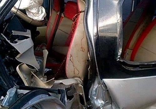 Ô tô khách đâm trực diện xe tải, bé trai 9 tuổi tử vong 1