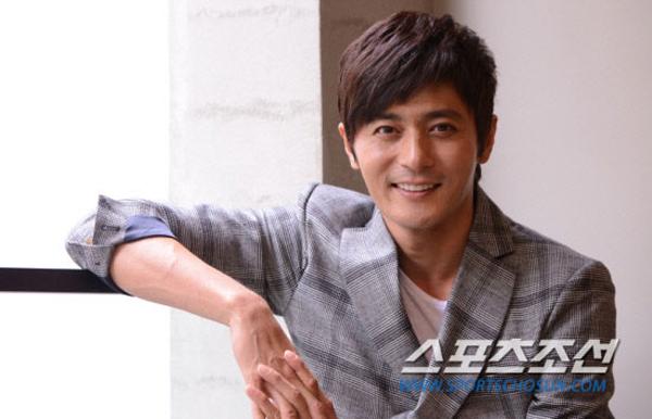 Đọ độ giàu và chịu chơi của Bae Yong Joon và Jang Dong Gun 2