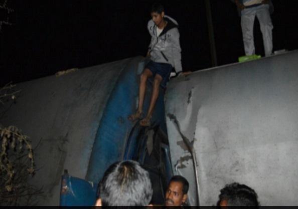 Tai nạn tàu hỏa Ấn Độ, hơn 100 người thương vong 3