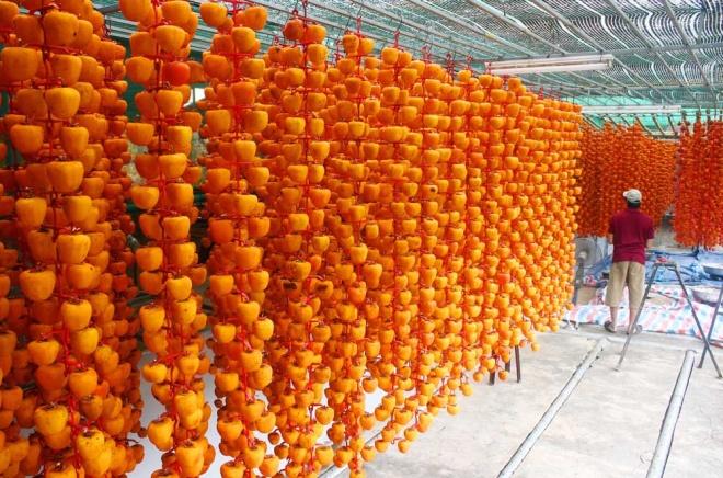 Mứt cổ truyền ế ẩm vì dân Việt chuộng hồng đen Nhật 3 triệu/kg 2